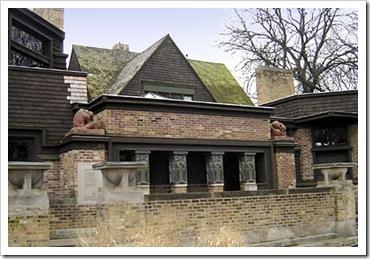 frank-lloyd-wright-house-435x298